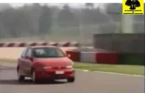 La Ferrari F1 di Schumacher sfida Nicola Larini ed Eddie Irvine