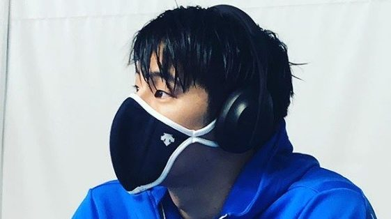 campiono_nuoto_Daiya_Seto_sospeso