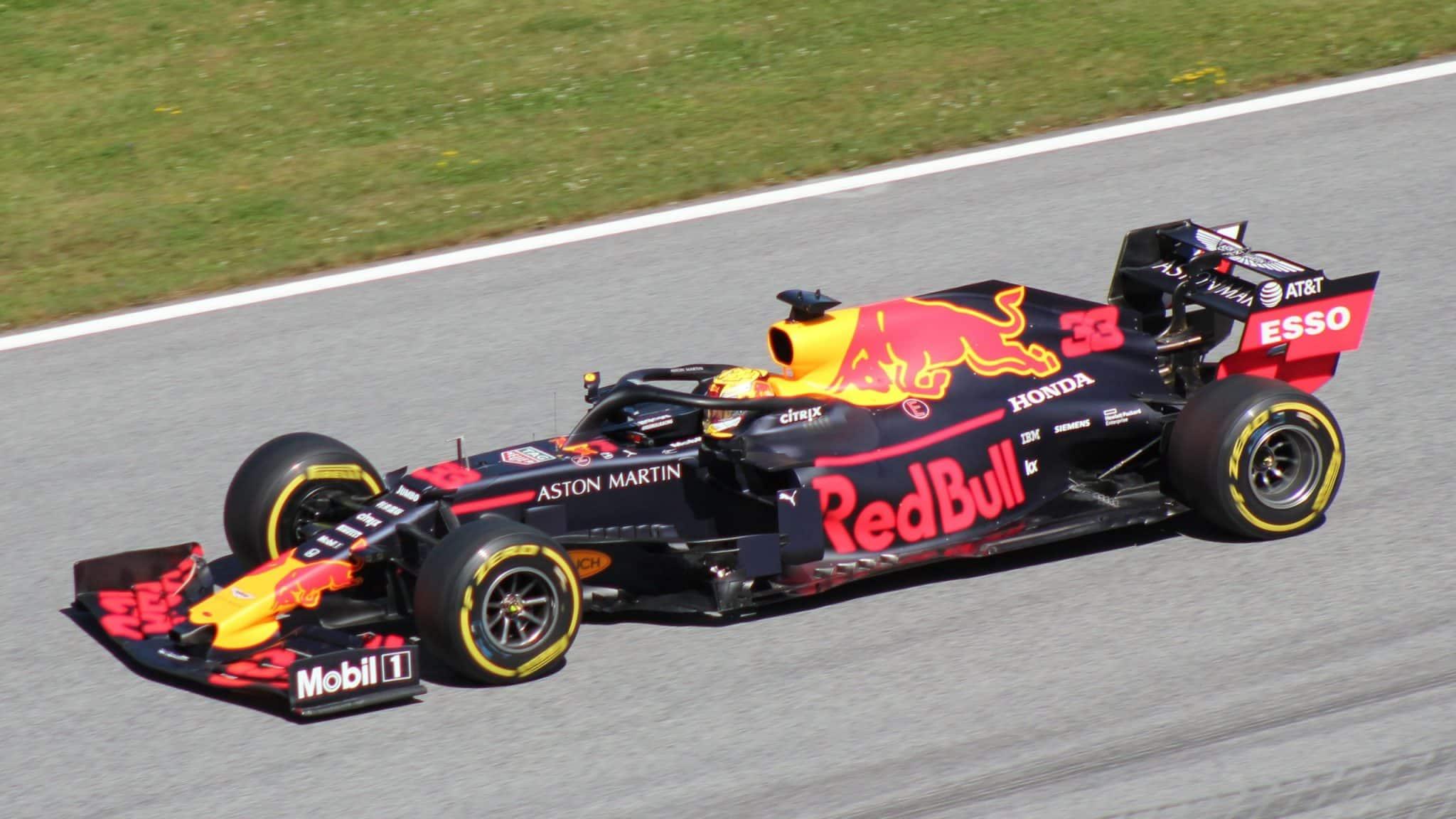 red bull_formula 1_ferrarri_mercedes