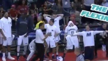 l'esultanza dei Monmouth, squadra di basket di campionato NCAA