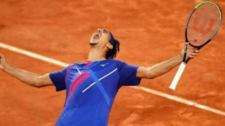 Lorenzo Sonego batte Novak Djokovic
