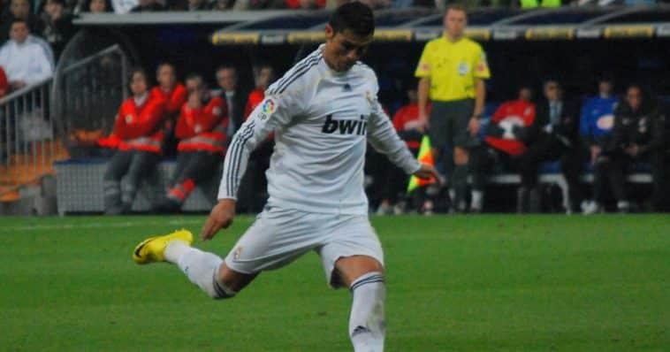 Cristiano Ronaldo ha raggiunto la quarta posizione, con 746 reti, come Puskas.