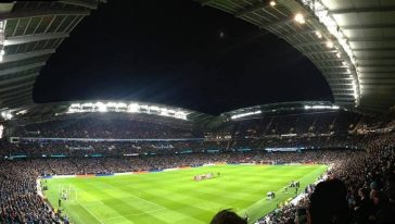 Manchester_City_etihad-stadium