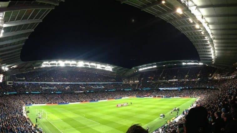 Manchester_City_etihad-stadium