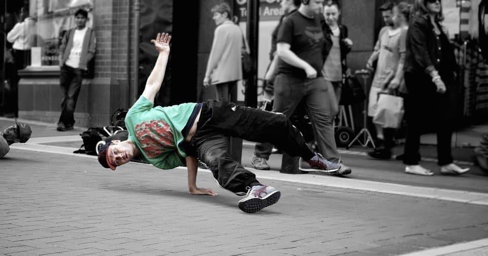 discipline_olimpiche_breakdance_arrampicata_surf_skateboard