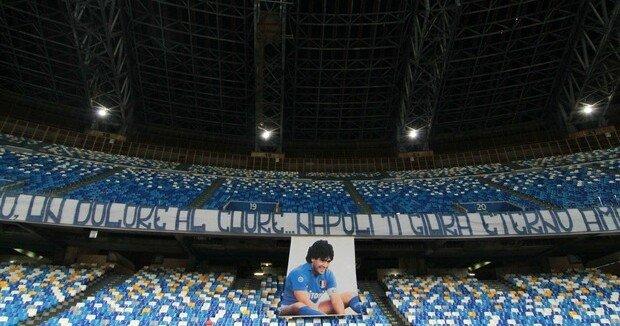 maradona_stadio_napoli