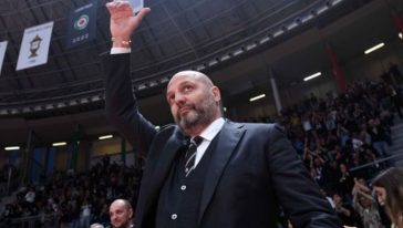 Sasha Djordjevic saluta la Virtus Bologna