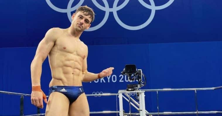 tom daley coming out share hibet social