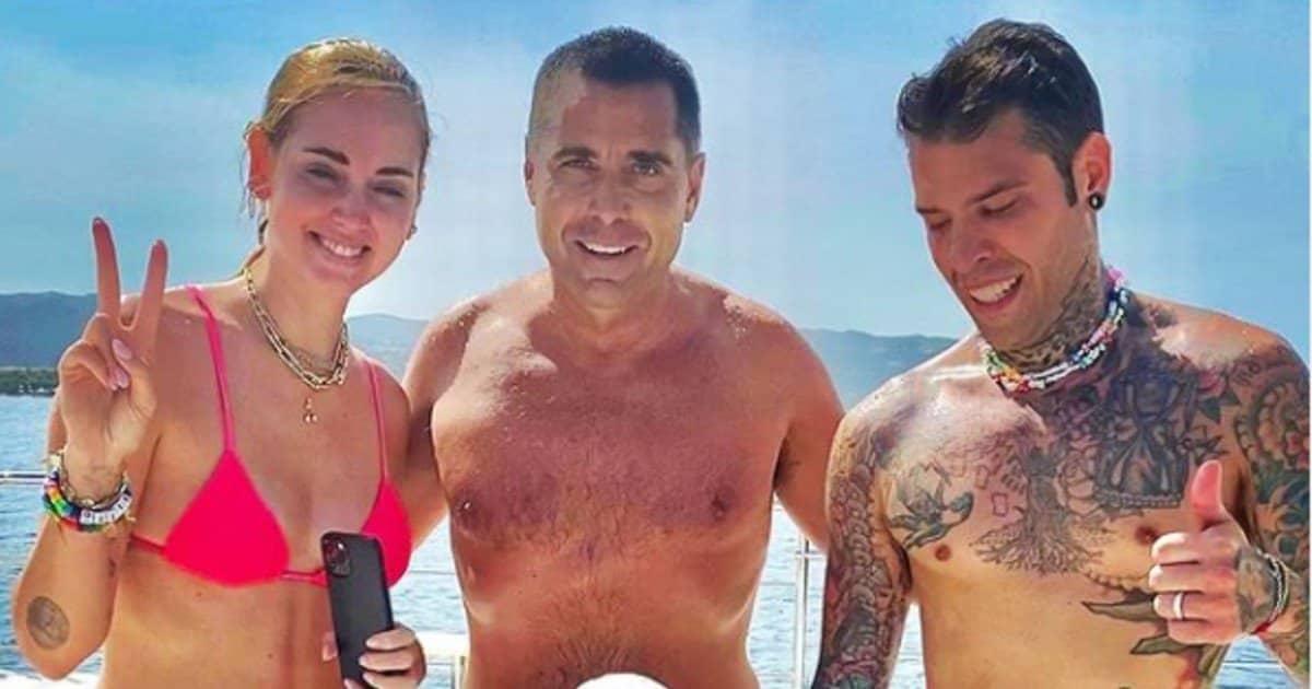 Vacanze con Riccardo Silva: i Ferragnez si divertono sul suo yacht.