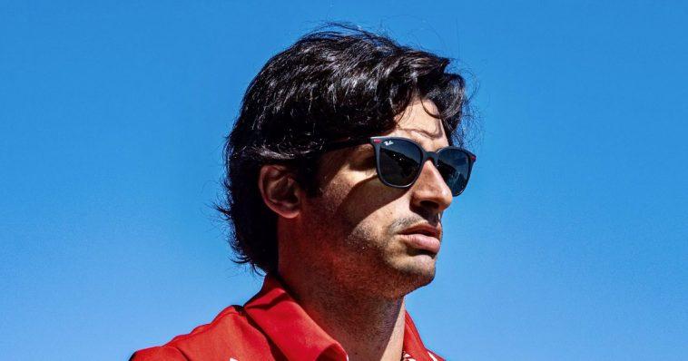 sainz Ferrari share hibet social