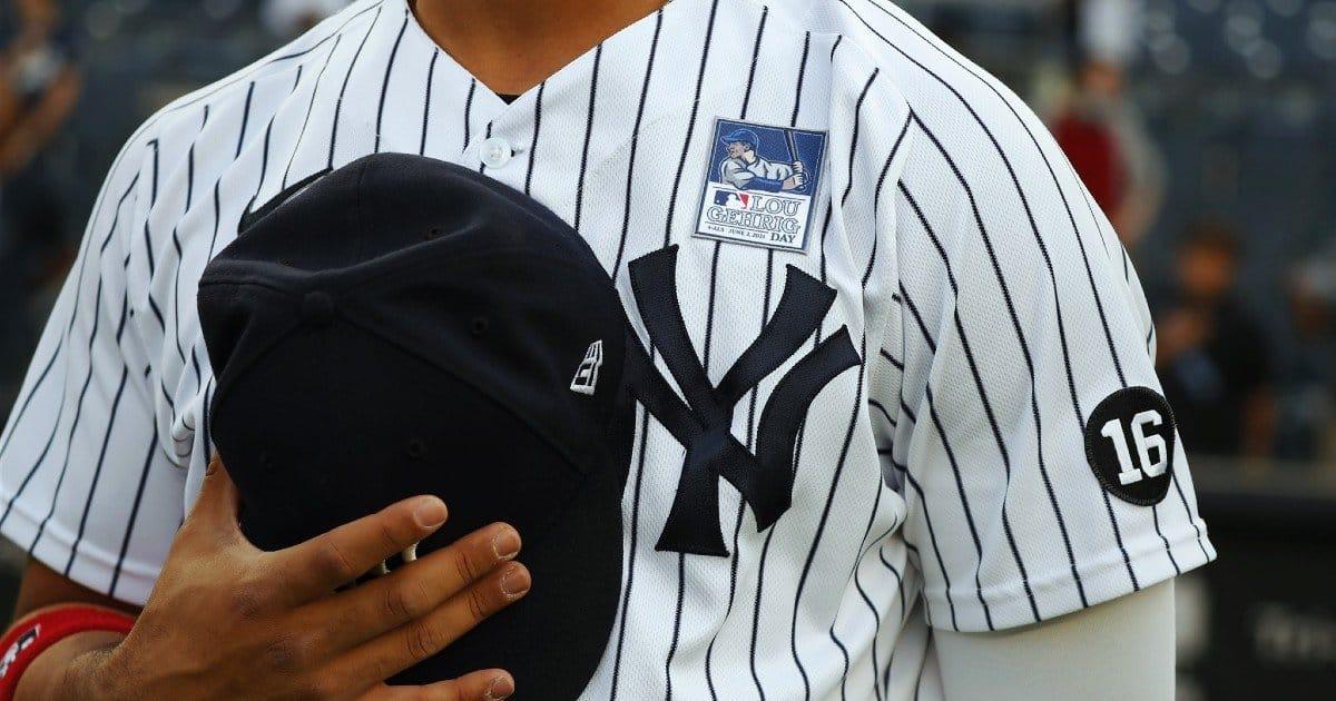 Moda giovani: in tendenza la felpa degli Yankees.