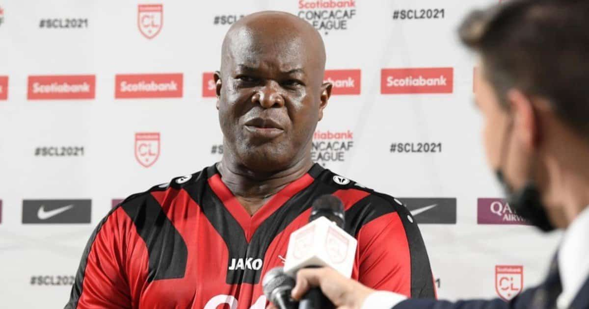 Il calciatore più vecchio del mondo: in Concacaf League in campo a 60 anni!